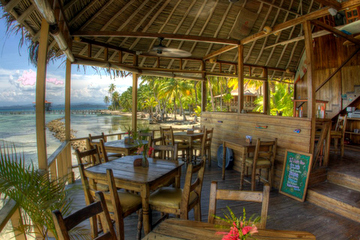 Bibis-on-the-Beach-restaurant-Bocas-del-Toro-2